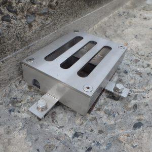 橋梁用排水桝で角型目皿含む枠のみ例