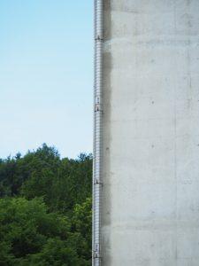 経年写真 下部工へ橋梁用排水管