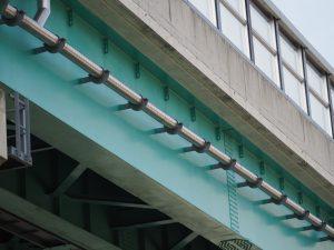 経年写真 跨線橋へ橋梁用排水管