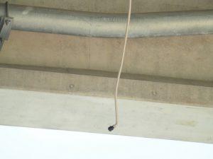 床版排水からのフレキシブルチューブ脱落例