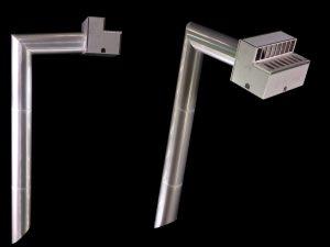 橋梁用排水桝にて地覆貫通管で縦横とも目皿のある例