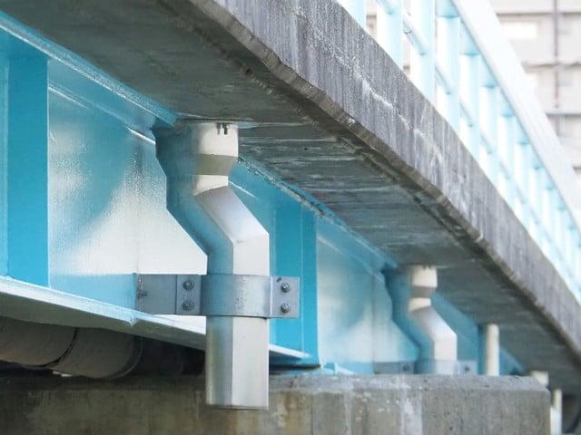天板プレート一体型排水管 鈑桁