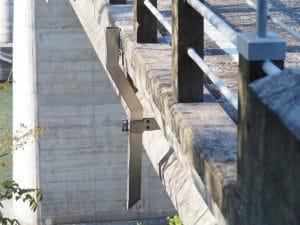 橋梁用 地覆 横引 排水装置 プレテンホロー 3